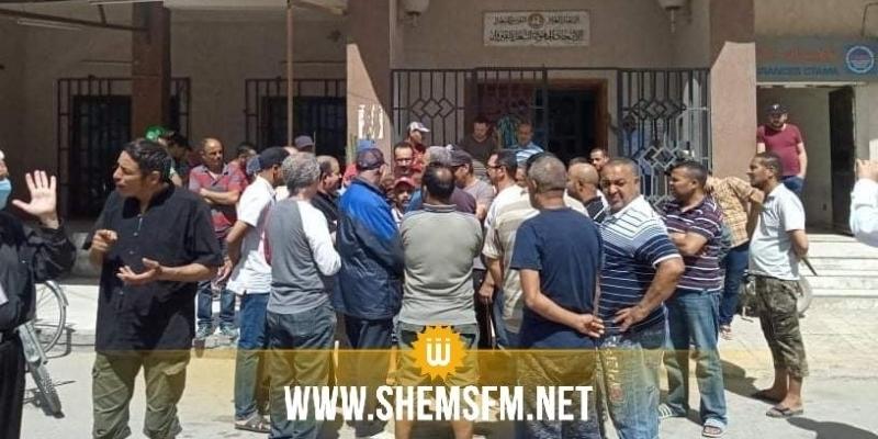 Kairouan : les employés des cafés protestent