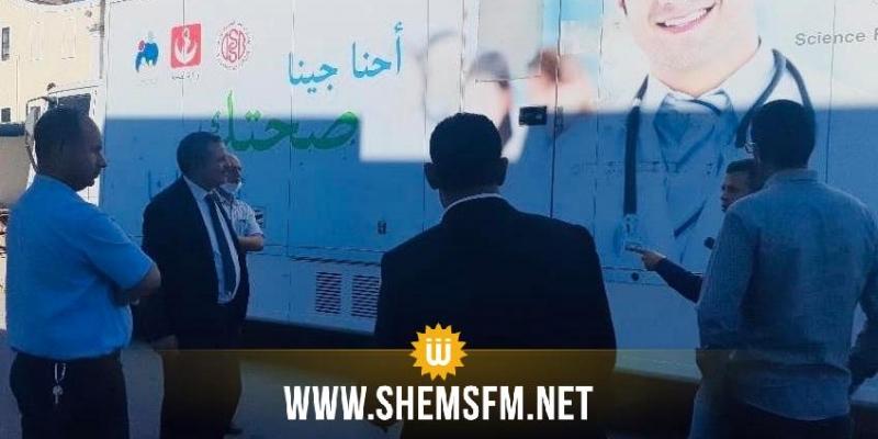 المكي يؤدي زيارة غير معلنة لأحد مخازن وزارة الصحة