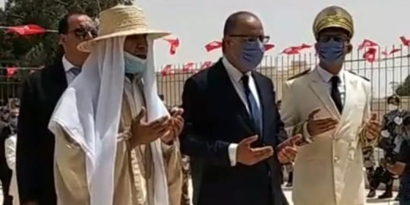 وزير الداخلية في رمادة:  نتابع عمليات الحرق باهتمام كبير وسنتعقب الفاعيلن