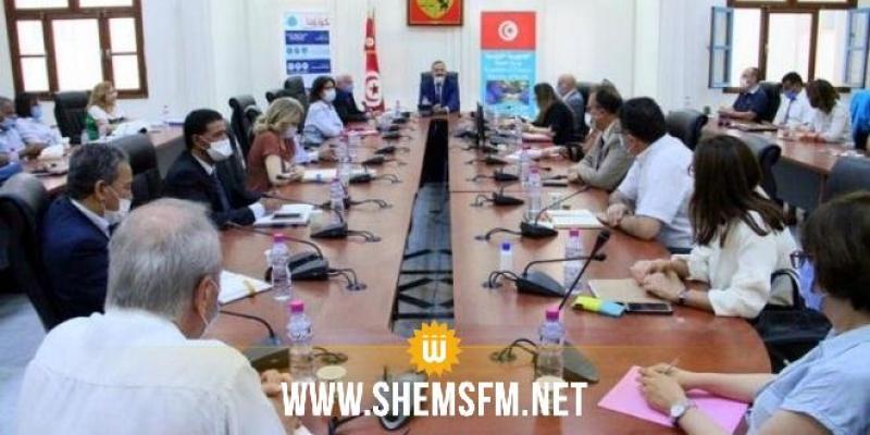 اللجنة العلمية القارة لمتابعة كورونا تدعو إلى مزيد اليقظة في تنفيذ الحجر الصحي الموجه