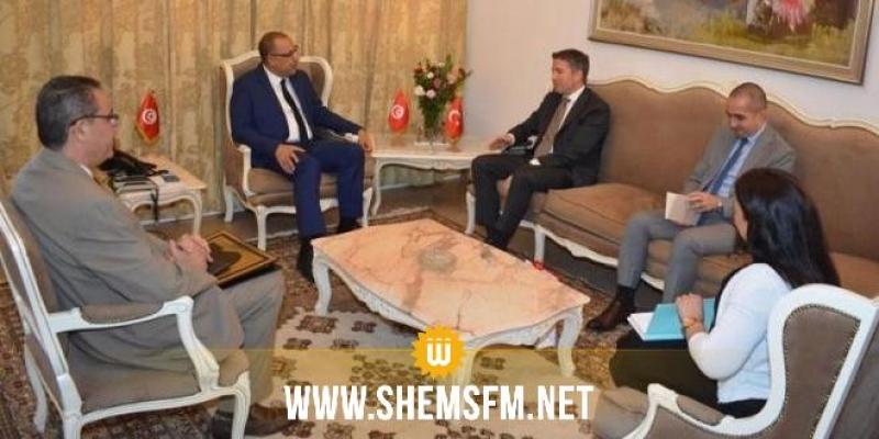 المشيشي وسفير تركيا يتباحثان وضع التعاون بين وزارتي الداخلية بالبلدين في مجالات التكوين ومكافحة الارهاب والدعم بالتجهيزات