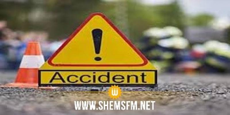 مجاز الباب:  وفاة امرأة و 8 جرحى في حادث اصطدام شاحنة بسيارة نقل ريفي