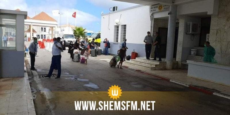 بالصور:  فتح معبر ملولة بطبرقة لاجلاء 294 تونسيا عالقين في الجزائر