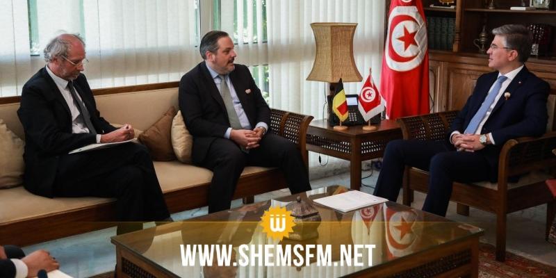 وزير السياحة يدعو السفير البلجيكي إلى التدخل لفتح حدود بلاده مع تونس