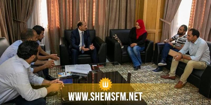 محمد عبو يتعهد بتعجيل طرح مبادرات قانونية لحل مشكل تشغيل الدكاترة تدريجيا