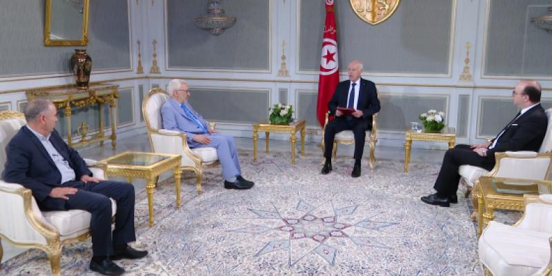 رئيس الجمهورية يؤكد تلقيه إستقالة رئيس الحكومة صبيحة هذا اليوم