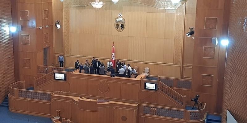 البرلمان ينفي تدخل الأمن ضد عبير موسي خلال احتجاجها بمنصة الرئاسة