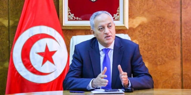 خلال زيارته مطار تونس قرطاج: وزير النقل بالنيابة يؤكد ضرورة احترام الإجراءات الوقائية