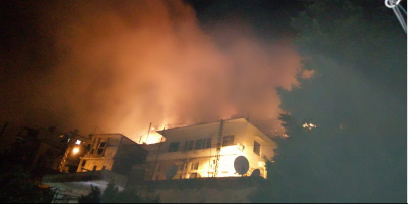 لبنان: حريق ضخم يندلع بجبل مشغرة والنيران تطال العديد من المنازل