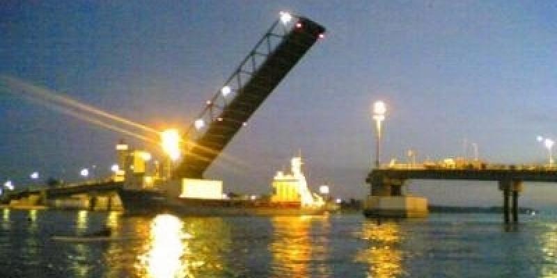 قنال بنزرت: السماح بمرور 4 بواخر ولا وجود لأيّ إشكال فنّي بشأن الجسر