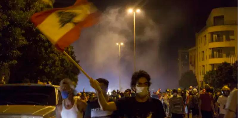 Explosion à Beyrouth : trois ministres démissionnent