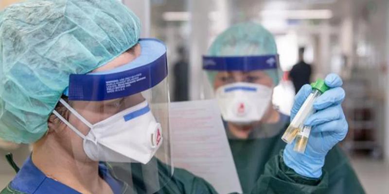مدير الهياكل الصحية: 'أدوات الوقاية والحماية متوفرة للإطارات الطبية وشبه الطبية'