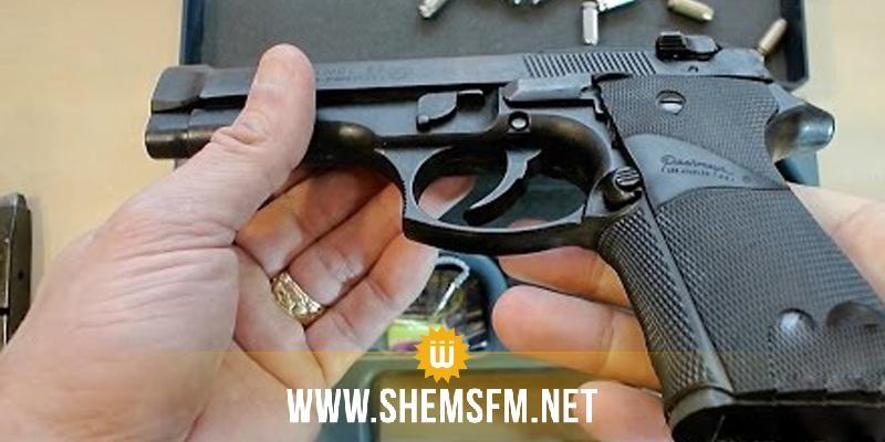 الكاف: حجز مسدسين والقبض على 3 أشخاص