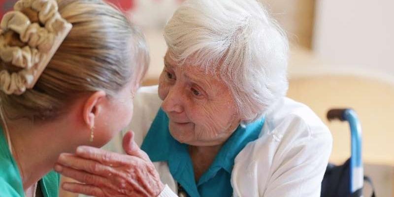 دراسة علمية: 'التلقيح المنتظم ضد النزلة الوافدة يُقلِص من احتمال الإصابة بالزهايمر'