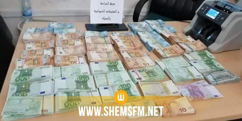 الحدود التونسية الليبية: حجز مليون دينار من العملة الأجنبية (صور)