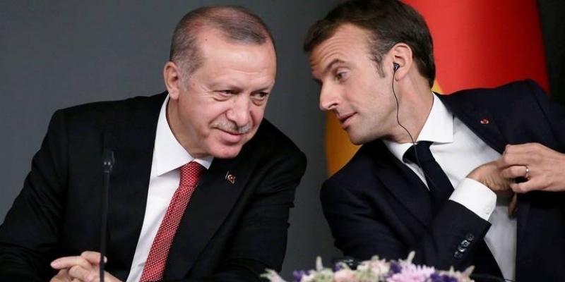ماكرون يدعو أردوغان إلى احترام القانون الدولي والالتزام بوقف التصعيد في المتوسط