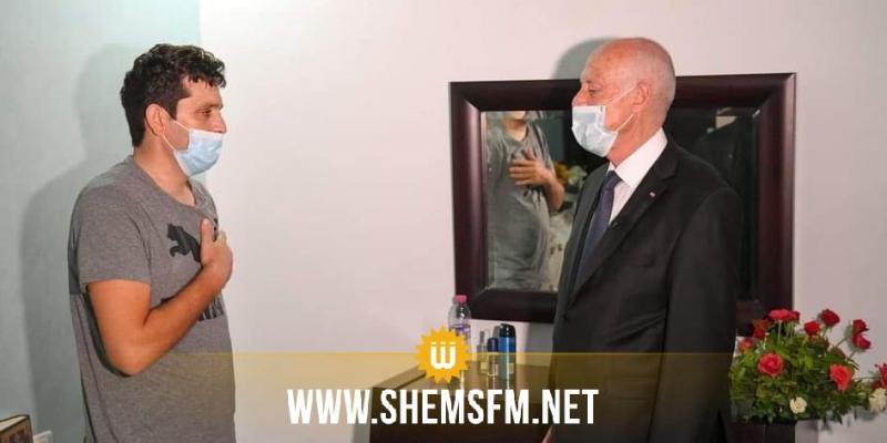 رئيس الجمهورية يزور الوكيل رامي الامام الذي أصيب في عملية أكودة الارهابية
