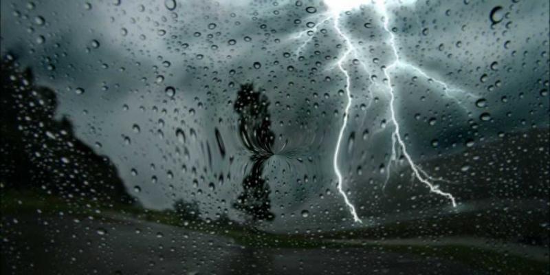 اليوم: أمطار والحرارة في انخفاض