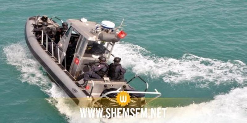 صفاقس: جيش البحر يُنقذ 15 تونسيا  كانوا في اتجاه إيطاليا