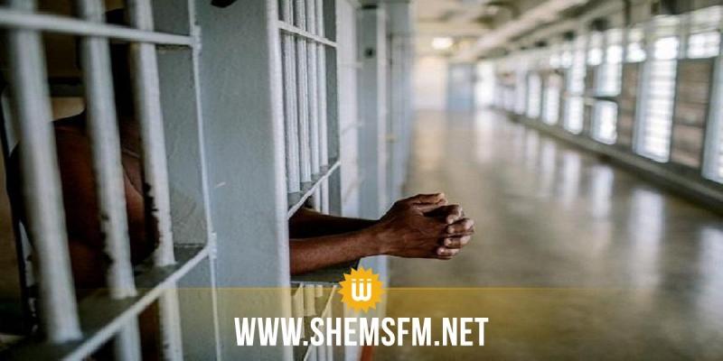 العدد الحقيقي للإصابات داخل السجون يتجاوز الـ 100 بقليل