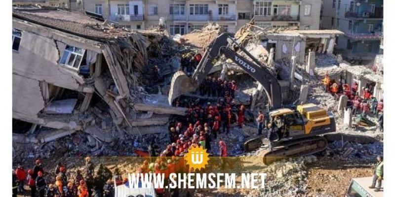 تركيا: ارتفاع ضحايا الزلزال المدمر الذي ضرب إزمير