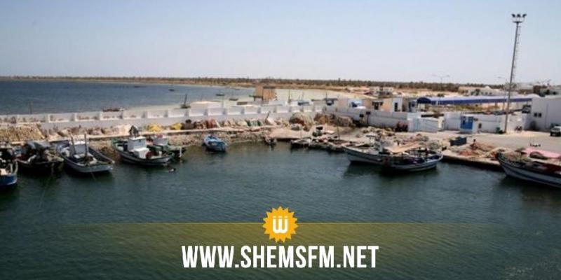 قرقنة: رئيس البلدية يطالب بإحداث ميناء خاص بنقل المحروقات