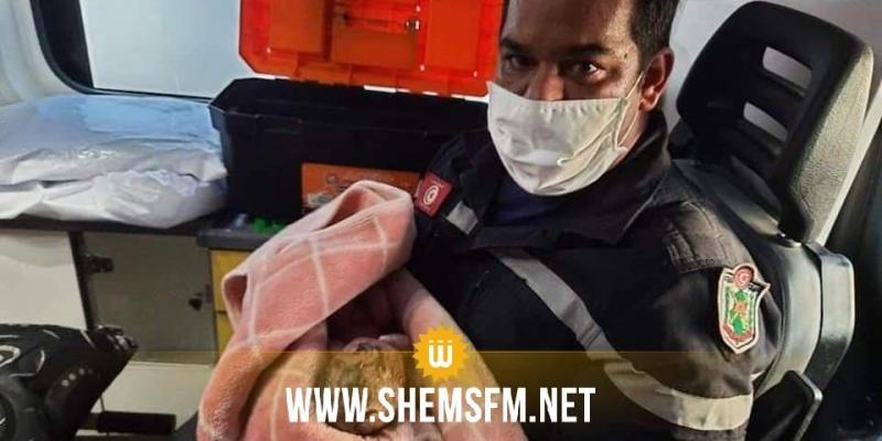 بنزرت: أعوان الحماية المدنية يقومون بتوليد إمرأة داخل سيارة الإسعاف