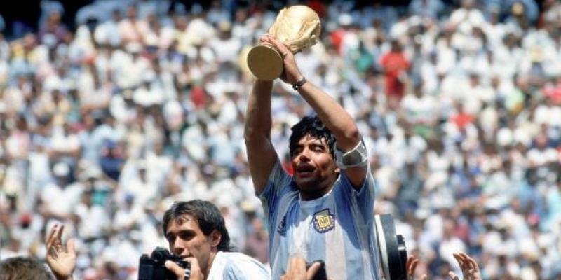 La légende du football, Diego Maradona, n'est plus