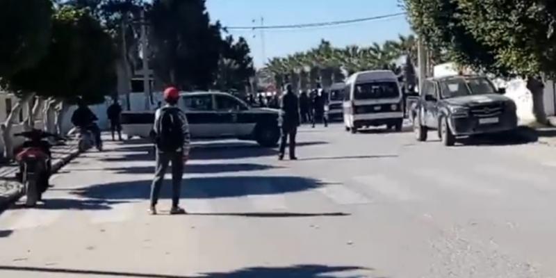 الشابة: غلق جميع المنشآت العمومية والإدارات وتواصل استعمال الأمن للغاز المسيل للدموع لتفريق المحتجين