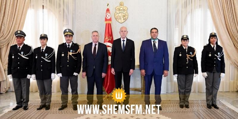بمناسبة الذكرى 64 لتونسة الديوانة: رئيس الدولة يكرم ثلة من الإطارات والأعوان