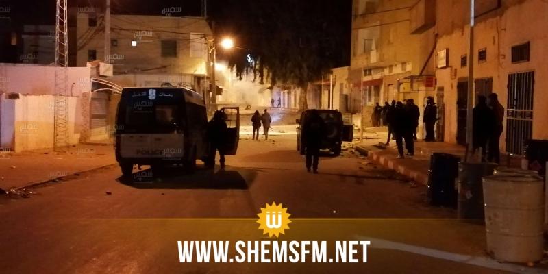 القصرين: إصابة 6 أمنيين وإيقاف 15 شخصا إثر مناوشات بعدد من الأحياء