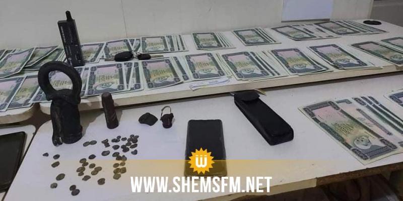 قفصة: الكشف عن شبكة دولية لتزوير العملة وإيقاف 6 تونسيين
