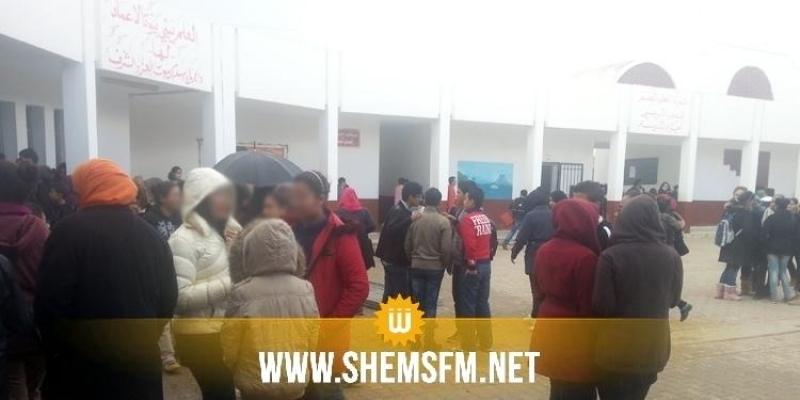 منزل عبد الرحمان : التلاميذ والأساتذة يقاطعون الدروس احتجاجا على عدم توفير وسائل الوقاية من فيروس كورونا