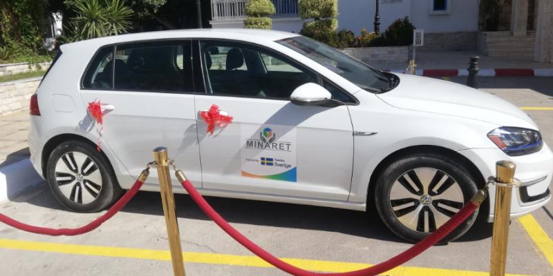 بلدية المنستير أول بلدية تستعمل السيارة الكهربائية