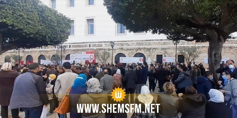 أعوان وإطارات رئاسة الحكومة في إضراب عام وتهديد بالتصعيد