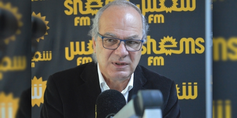 الوزير: من تلقى التلقيح  ضد كورونا عليه الاستظهار بتحليل سلبي للدخول إلى تونس