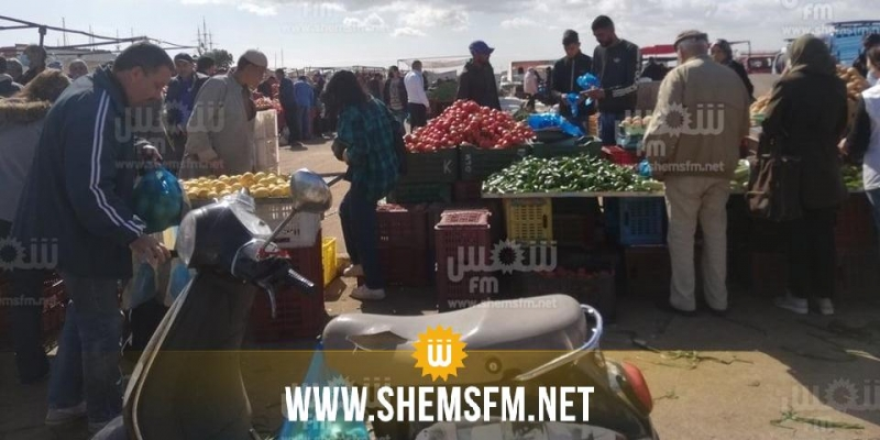 المنستير: قوات الأمن تفرض طوقا أمنيا حول السوق الأسبوعية لمنع المواطنين من التسوق