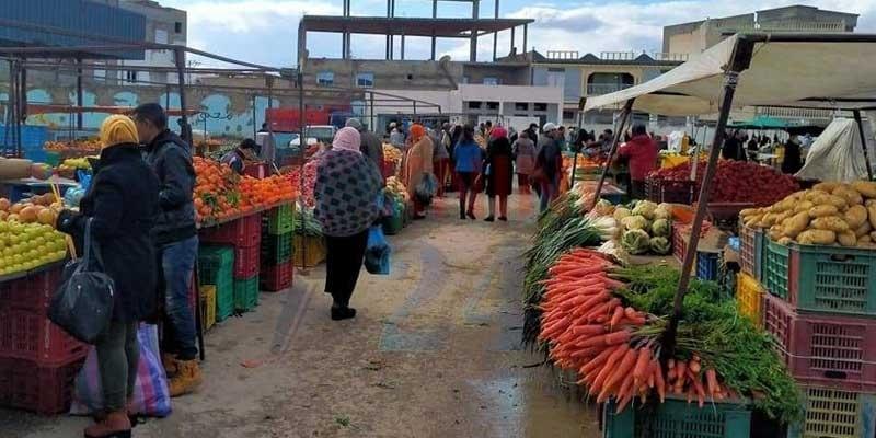 سيدي بوزيد :رئيس البلدية يقرر عدم إغلاق الأسواق الاسبوعية بمدينة الاسودة