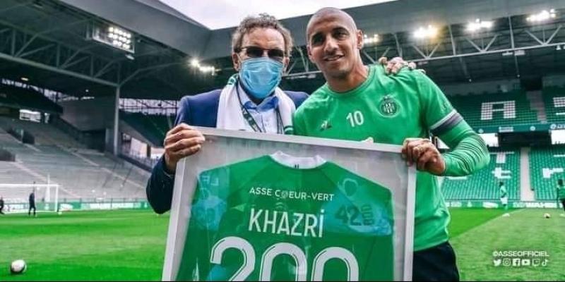 وهبي الخزري يحتفل بالمباراة رقم 200 في البطولة الفرنسية
