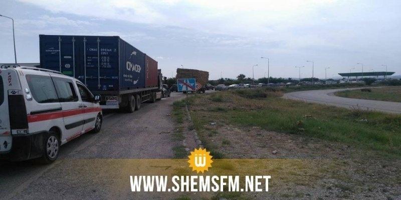 Le dérapage d'un camion sur l'autoroute A1, provoque un blocage partiel de la circulation