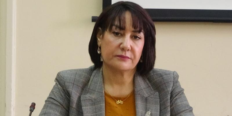 منيرة العياري: 'مقيمة في كندا تتمتع بمنحة العيد من مستشفى منزل بورقيبة'