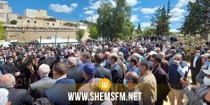 خرق الحجر الصحي من طرف بعض المسؤولين: حسناء بن سليمان تعلق