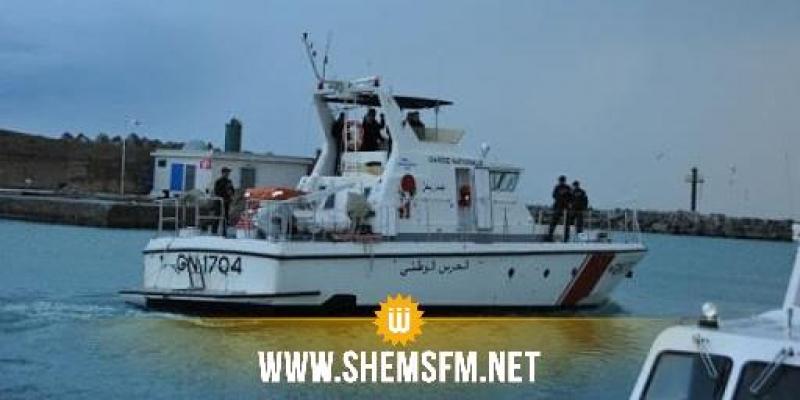إحباط 3 عمليات اجتياز للحدود البحرية خلسة والقبض على 56 شخصا