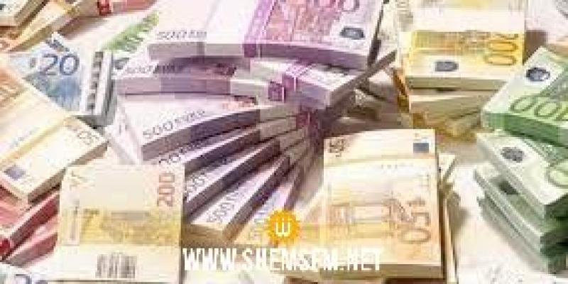 خلال شهر أفريل: إحباط محاولات تهريب مبالغ من العملة الأجنبية بقيمة 1.1 مليون دينار