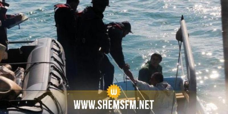 قرقنة: العثور على 12 تونسيا كانوا على متن قارب