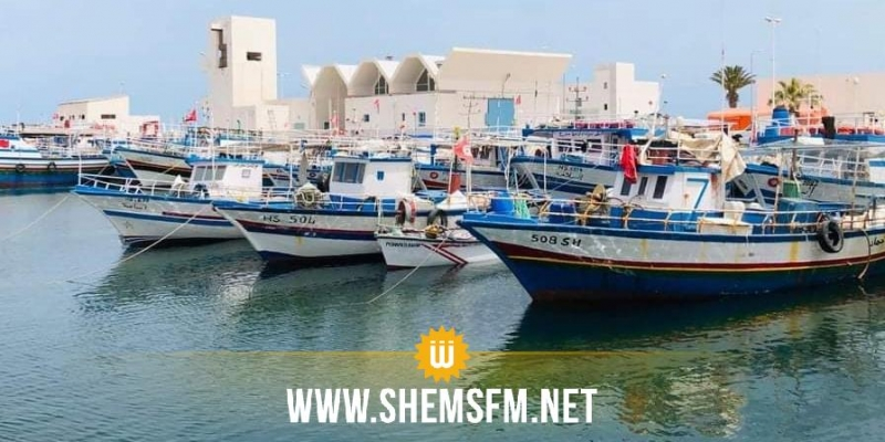 كان محتجزا في ليبيا: وصول مركب على متنه 6 بحارة إلى بنقردان