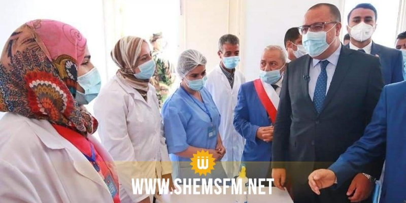المشيشي يواكب حملة التلقيح في أرياف زغوان ويؤكد على الترفيع في عدد التلاقيح