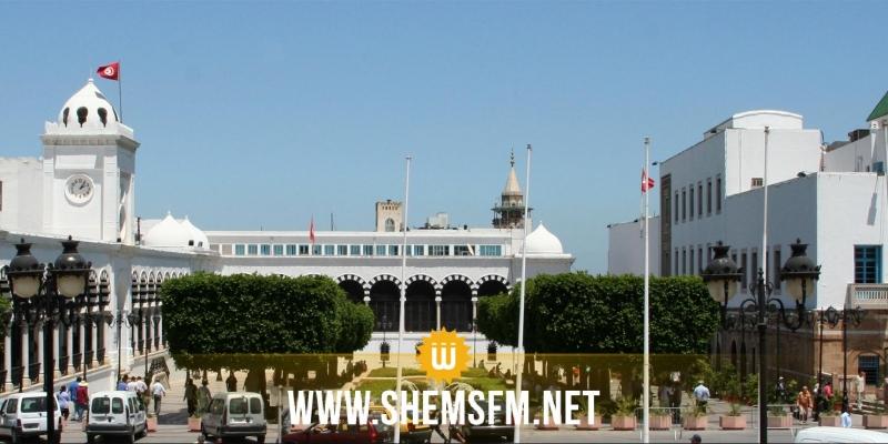 القصبة: غلق أبواب رئاسة الحكومة ومنع الموظفين من الدخول