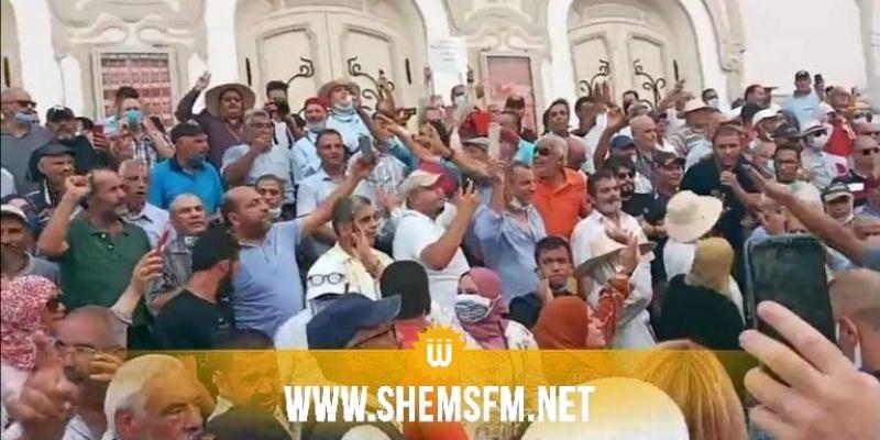 شارع الحبيب بورقيبة: وقفة إحتجاجية ضدّ قرارات  25 جويلية (فيديو)
