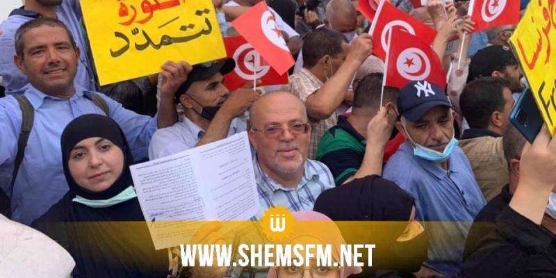 العاصمة: وقفة إحتجاجية أمام المسرح البلدي تنادي بإنهاء ''الإنقلاب''
